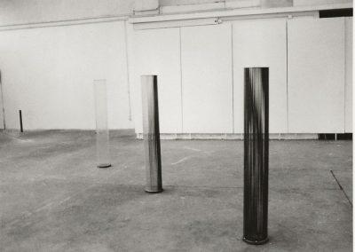 Dématérialisation-lumière 1990-48 fer à béton armé- 24 tiges béton armé -24 tubes de verre- 48 tubes de verre H150 L 280 a - Copie