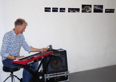 Photos-sculpture-installation-performance-musique-et-poésie--Sète